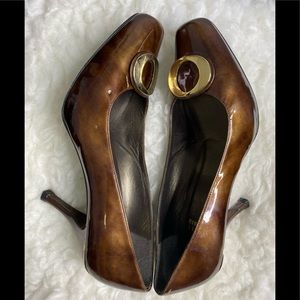 STUART WEITZMAN Brown Patent Pumps w/ Gold Accent